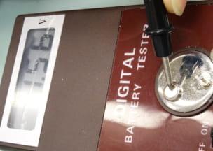 カルティエ タンクフランセーズ 新しい電池のチェック