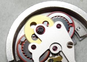 ロレックス オイスターパーペチュアルデイトジャスト 切替片方は軸がなんかくろい・きもい