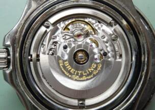ブライトリング スーパーオーシャン44 ムーブはETA Cal.2824ベース